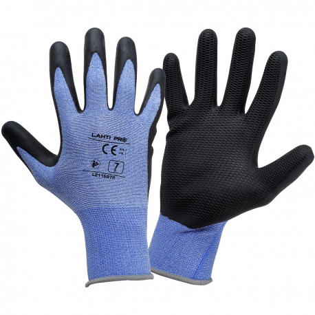 Working gloves coated with Lahti Pro L2116 latex foam