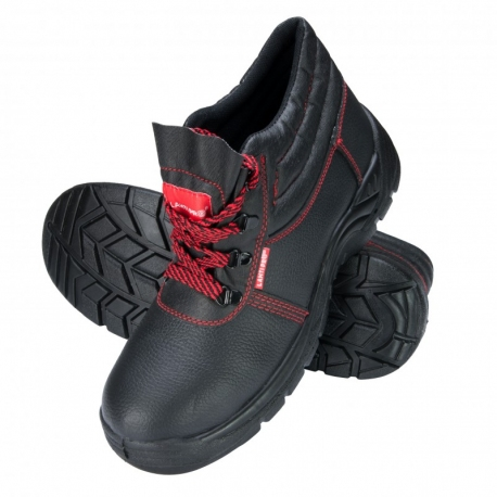 Protective shoes for men O1 SRC LahtiPro L30101